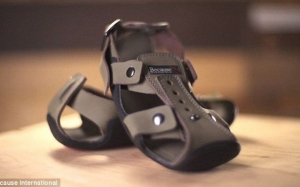 The Shoe That Grows - Selipar Yang Mampu Diubah Saiznya Mengikut Tumbesaran Saiz Kaki