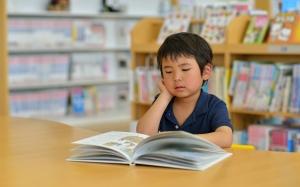 3 Tips Tarik Minat Anak Suka Membaca
